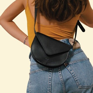 Our hip bag Romy - Ready to make a claim to be the hippest bag around    Available online and soon in stores        #Romy #ZAMT #ZAMTberlin #shop #Berlin #slowfashion #sustainable #eco #fair #vegtanned #leather #bags #fashion #trend #photography #ootf #outfit #edit #minimalist #minimalism #supportsmalllabels