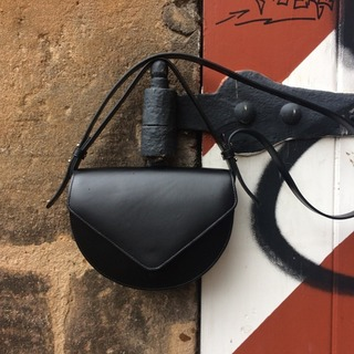 Carry it with you everywhere                      #mavi #ZAMT #ZAMTberlin #thejourneyisthereward #shop #Berlin #slowfashion #sustainable #eco #fair #vegtanned #leather #bags #trend #fashion #travel